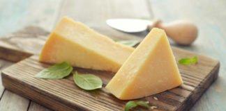 """Чому медики не рекомендують їсти сир перед сном"""" - today.ua"""