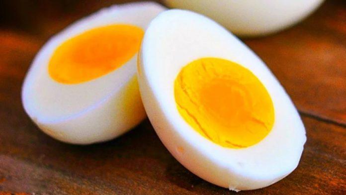 Зеленуватий наліт на жовтку вареного яйця дуже токсичний – лікарі - today.ua
