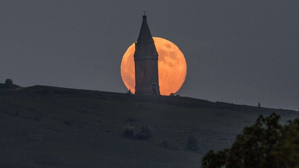 Полнолуние 7 мая: что категорически запрещено делать во время Цветочной луны
