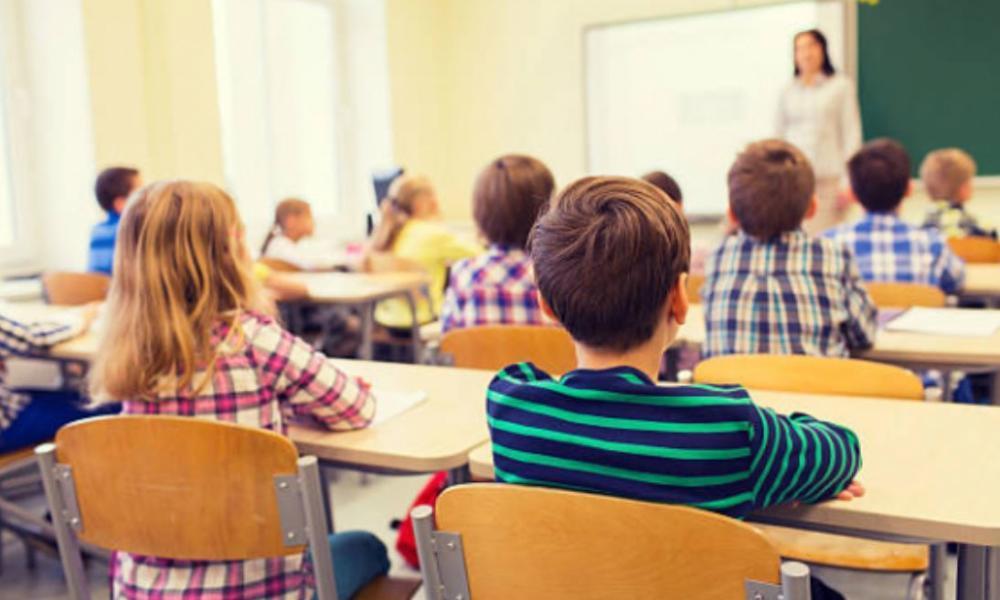 Родители школьников категорически против дистанционного обучения: результаты соцопроса