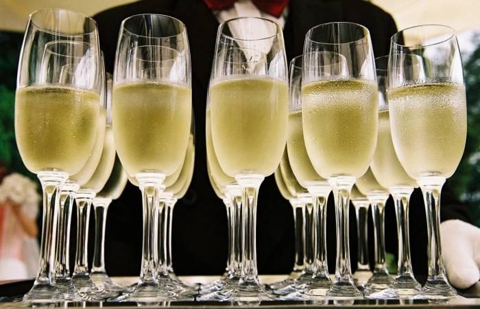 """В Україні подорожчали вина: скільки коштуватиме найдешевше """"шампанське"""""""