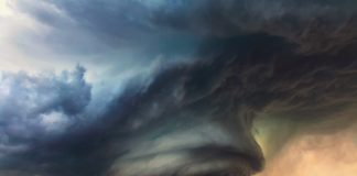 """На Україну насувається потужна буря: коли природна стихія вдарить по території країни"""" - today.ua"""