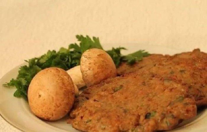 Якщо набридли м'ясні котлети, приготуйте картопляно-печінкові: простий рецепт