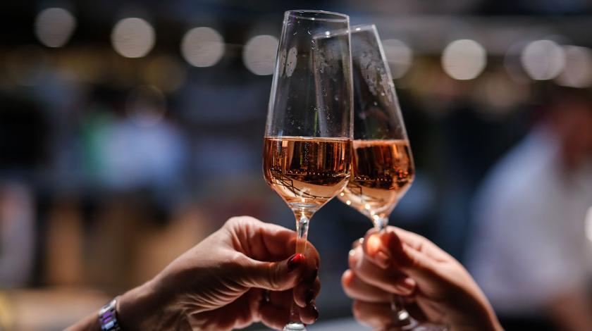 В Украине поднимут цены на алкоголь: что и на сколько станет дороже