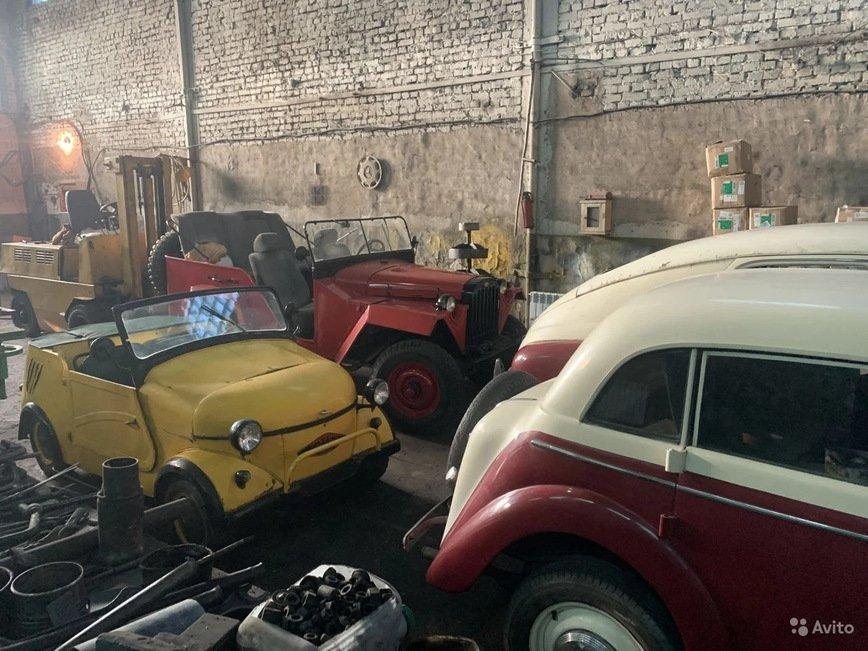 Колекцію радянських автомобілів продають за $100 000