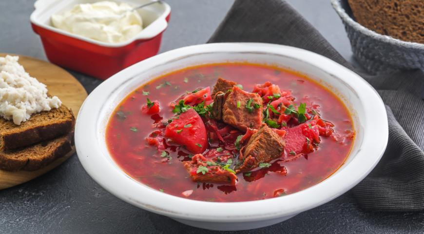 Ароматный борщ с грибами: рецепт сытного блюда за традиционным рецептом - today.ua