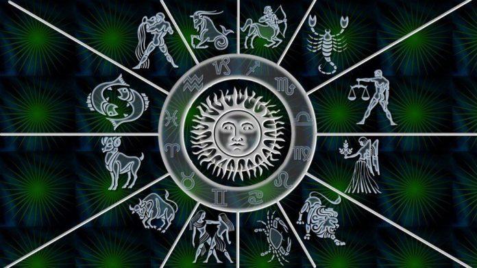 Гороскоп на 22 травня для всіх знаків Зодіаку: Павло Глоба знає, що порадити впертим Левам і сумним Козерогам