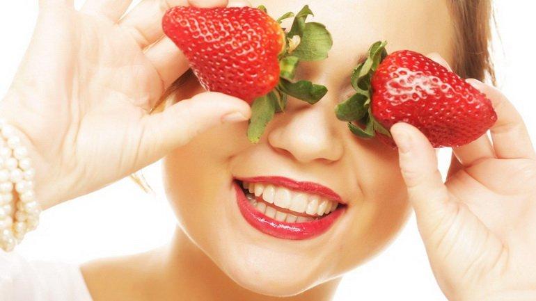 Маски для лица на основе клубники: домашние рецепты красоты для сухой и жирной кожи  - today.ua