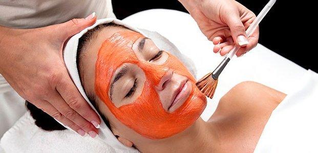 Маски для лица на основе клубники: домашние рецепты красоты для сухой и жирной кожи