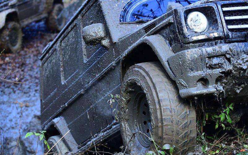 Як захистити моторний відсік машини від пилу і бруду - today.ua