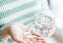 Парацетамол може нашкодити при коронавірусі: медики розповіли про небезпеку передозування препаратом - today.ua