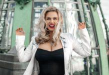 Семенович показала свою неприховану красу: фото зірки топлес підірвало Мережу - today.ua
