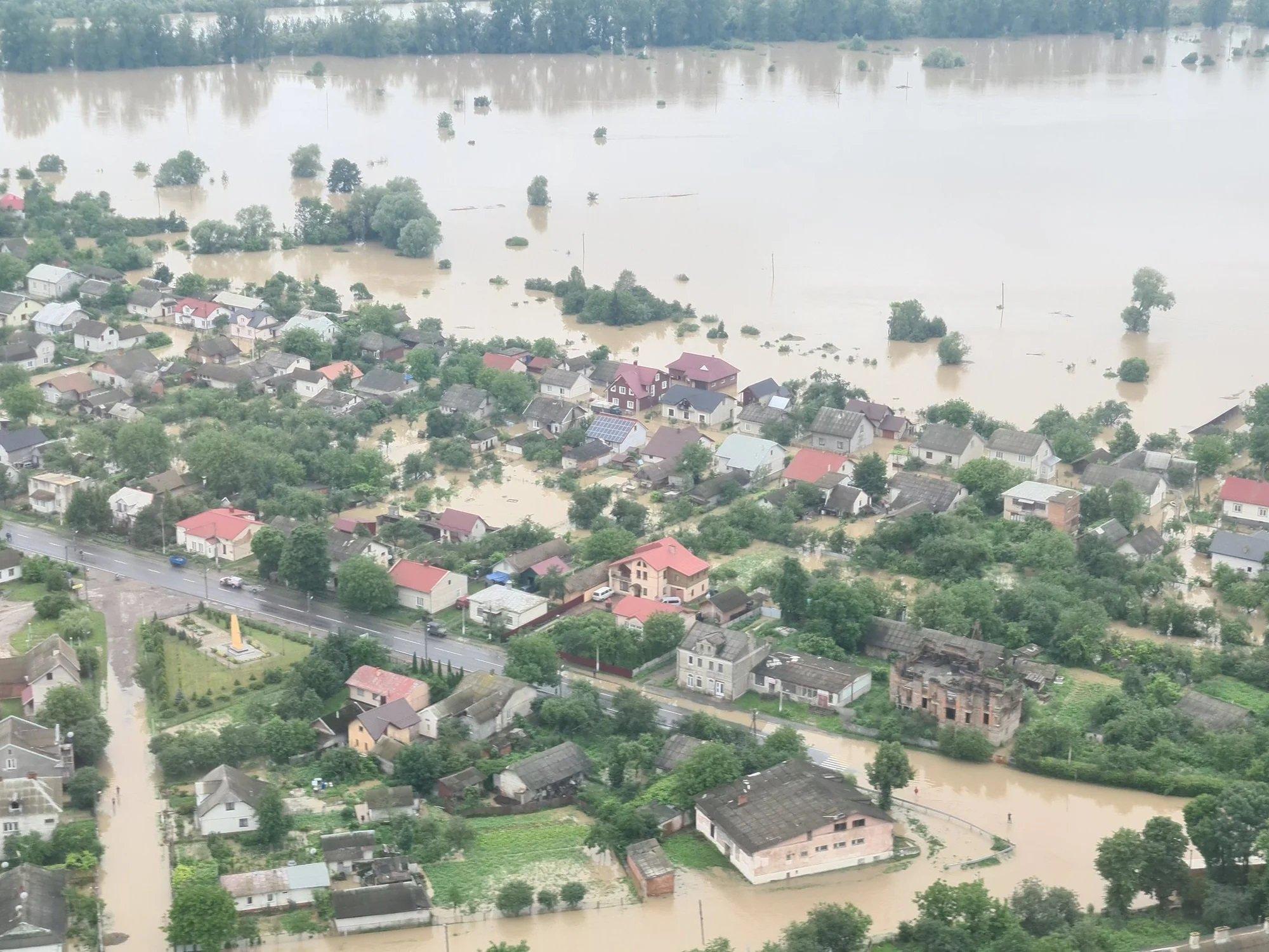 Западная Украина уходит под воду: Аваков показал фото масштабной катастрофы