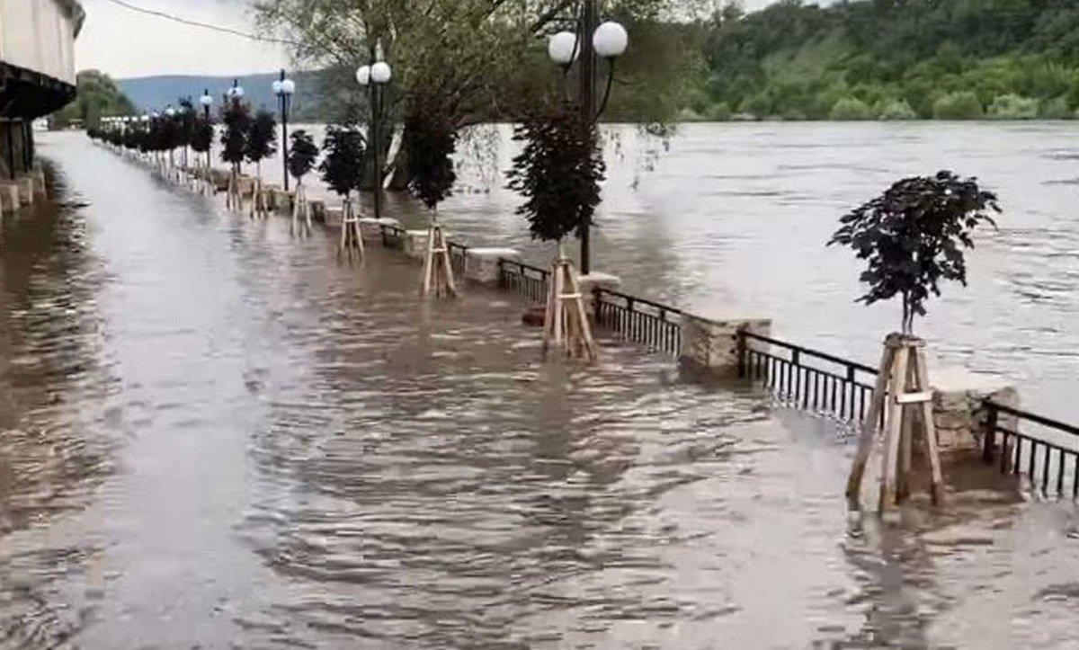 Нові повені в Україні: рятувальники назвали області, які затопить в найближчі дні - today.ua