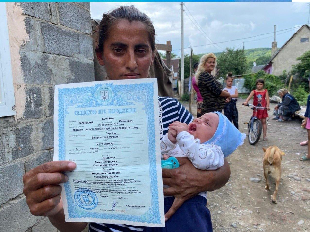 В Україні батьки назвали сина Зеленський: в Мережі вже жаліють малюка