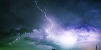"""На Україну насуваються град, шквали та зливи: оголошено штормове попередження"""" - today.ua"""