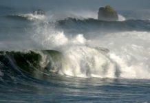 Шторм на Азовському морі: українці потрапили під роздачу стихії на популярному курорті - today.ua