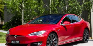 В українця за порушення митних правил забрали Tesla Model S - today.ua