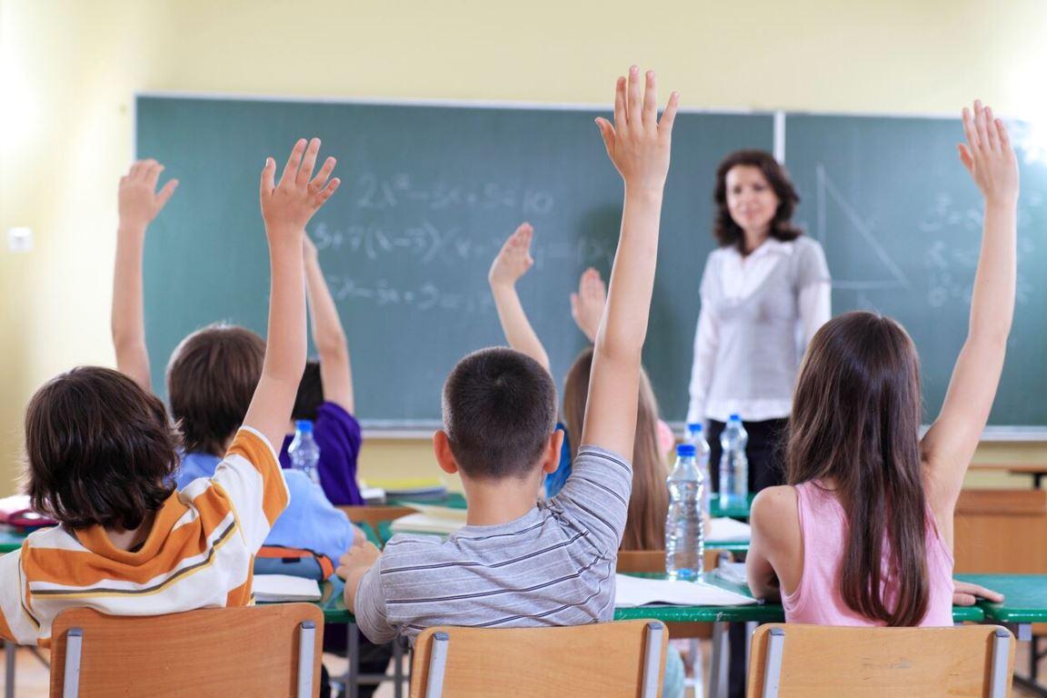 Уроки на свіжому повітрі і санітайзери в класах: як будуть працювати школи з 1 вересня  - today.ua