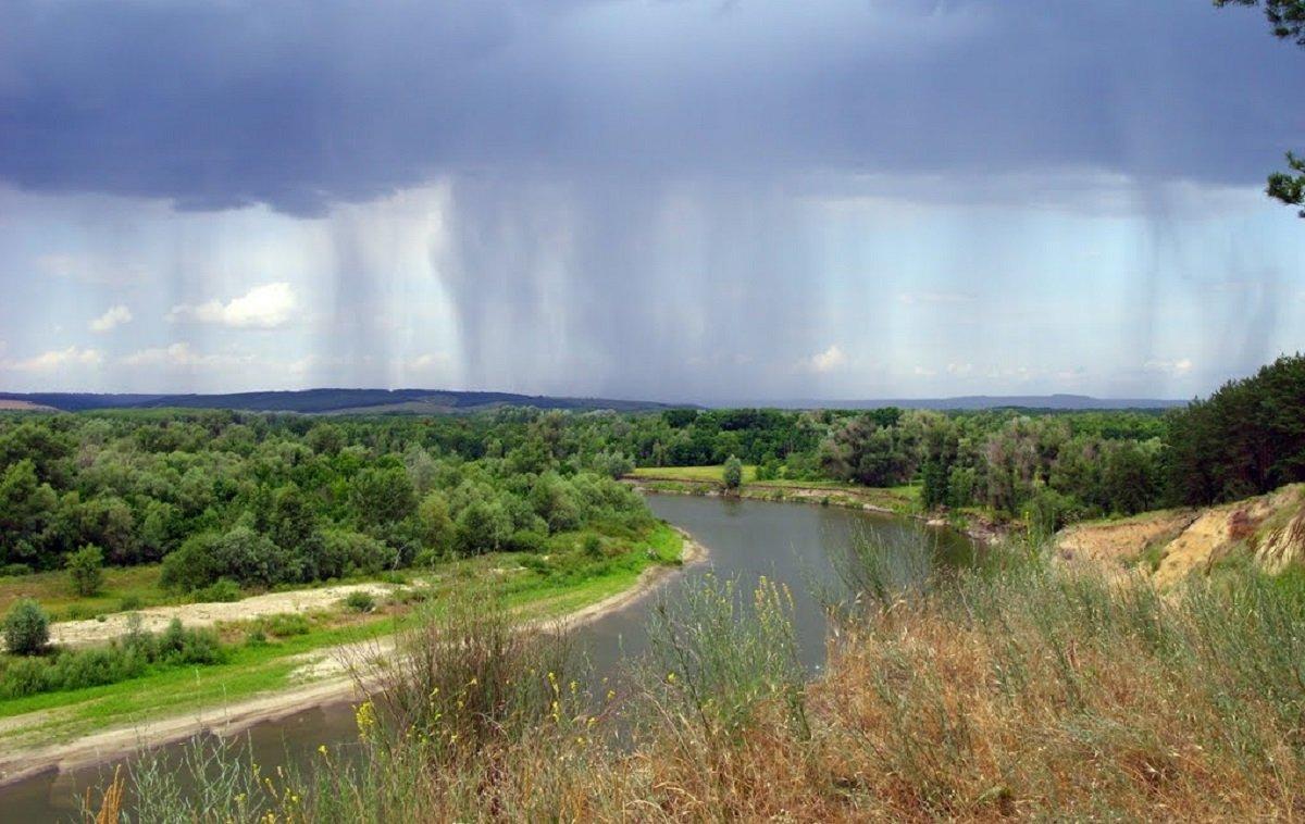 На Україну насувається потужний грозовий фронт: прогноз погоди від Укргідрометцентру - today.ua