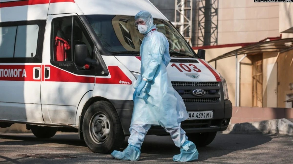 Коронавирус в Киеве распространяет молодежь: столица на грани попадания в «оранжевую» зону
