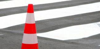 Водитель сбил женщину с ребенком на переходе: жуткое видео облетело Сеть - today.ua