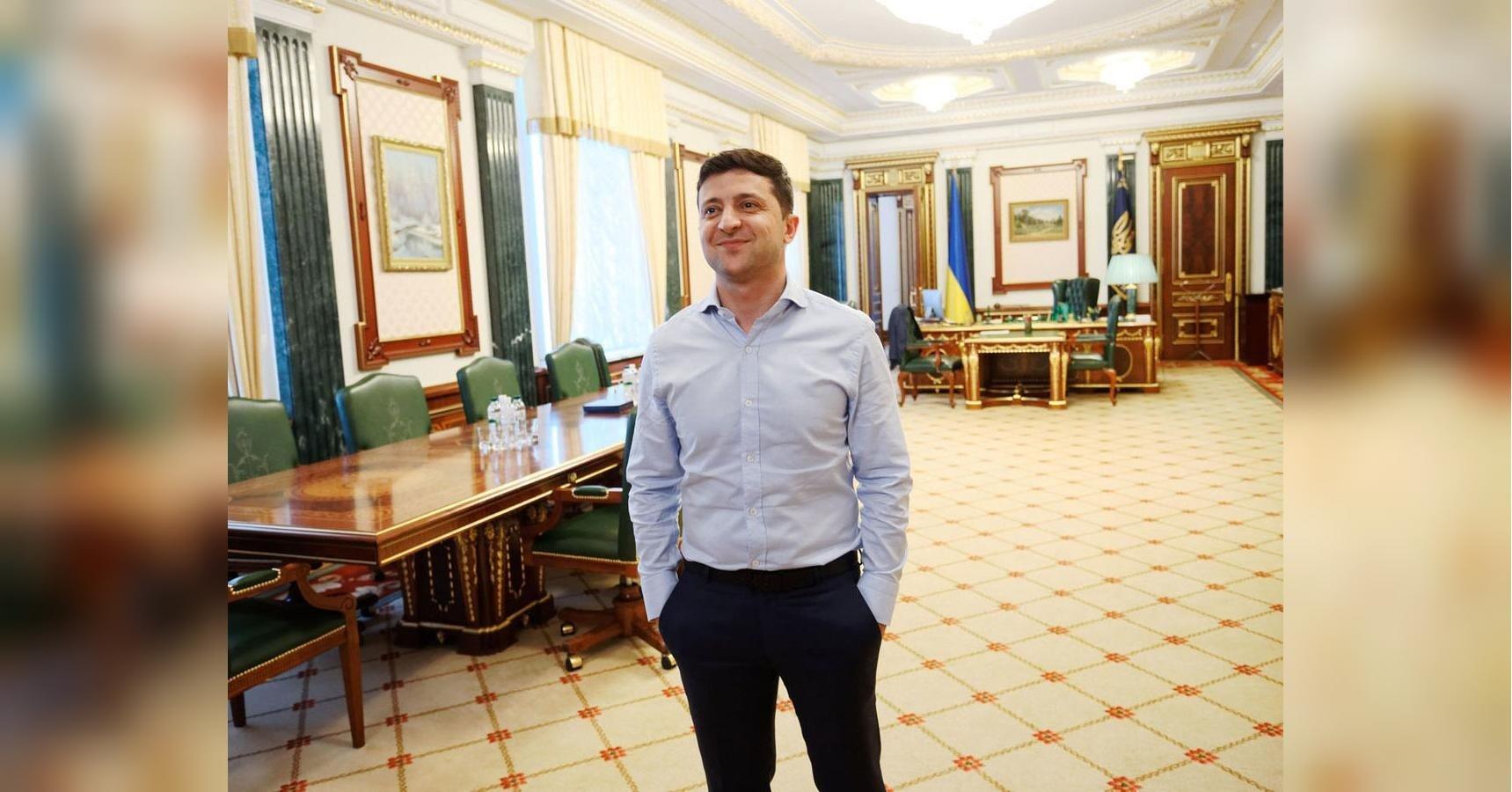 Зеленский переехал жить на дачу: президент неожиданно продал дом - today.ua