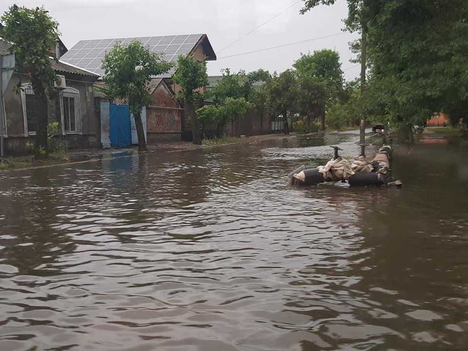 Український курорт опинився під водою: в Кирилівці почався справжній колапс (відео)