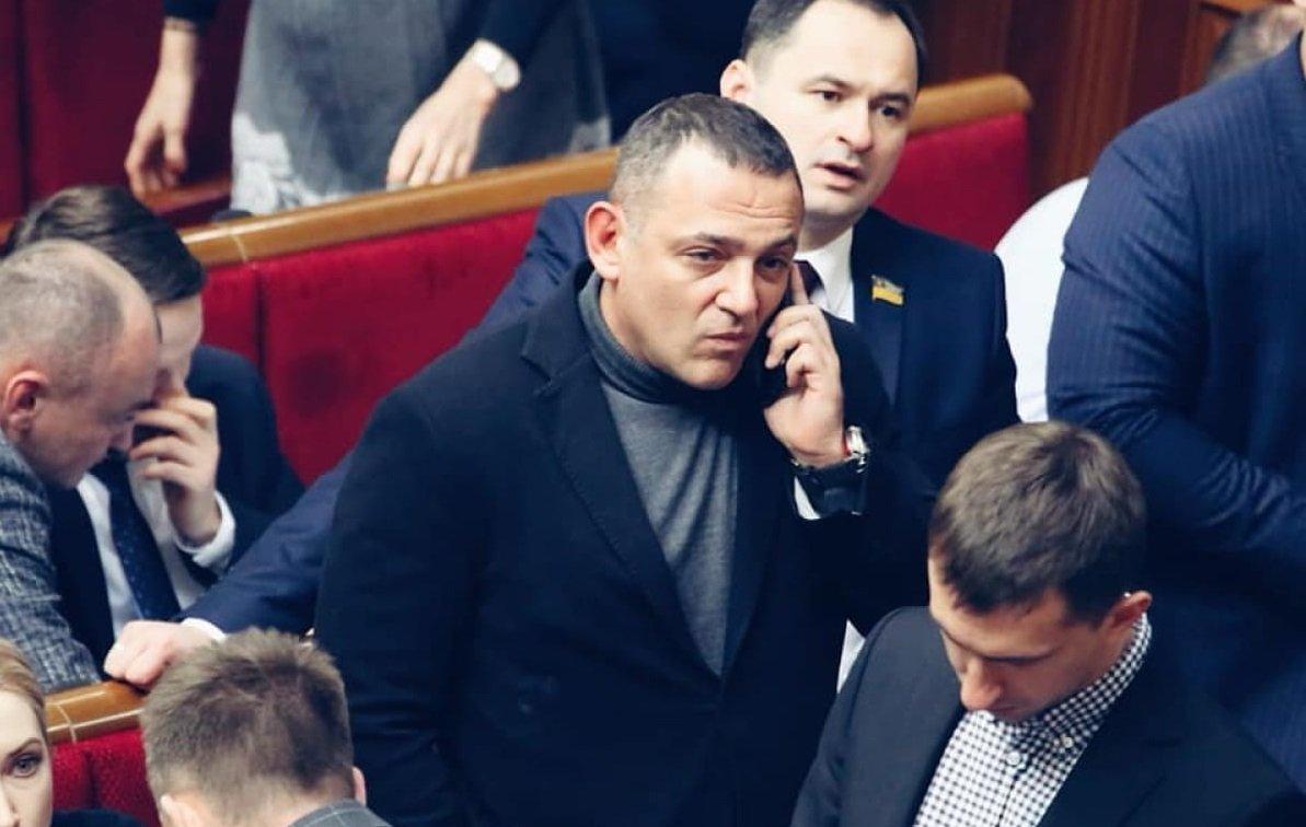 Закон Бужанського про мовну політику: чи підтримає Зеленський скандальний документ