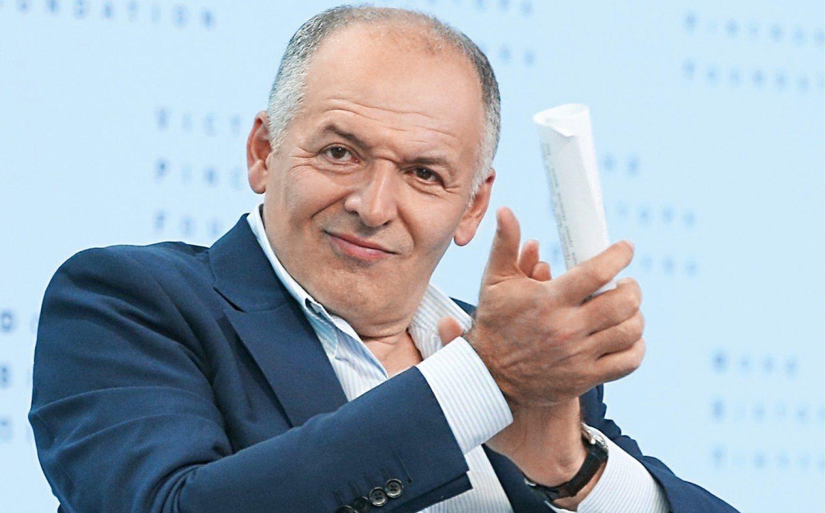 Крупнейший олигарх Украины распродает активы: что происходит