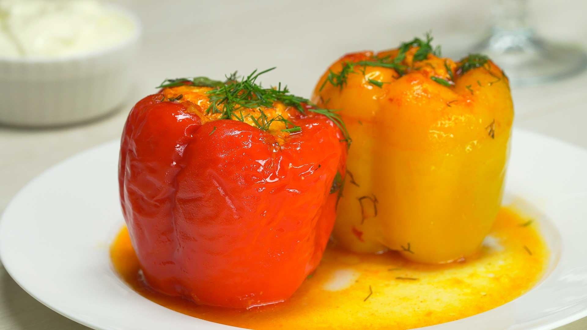 Фарширований перець: рецепт смачної страви з курячого м'яса нашвидкуруч - today.ua