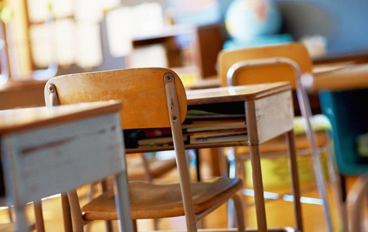 В Україні занадто багато вчителів і лікарів: під скорочення потраплять десятки тисяч бюджетників - today.ua