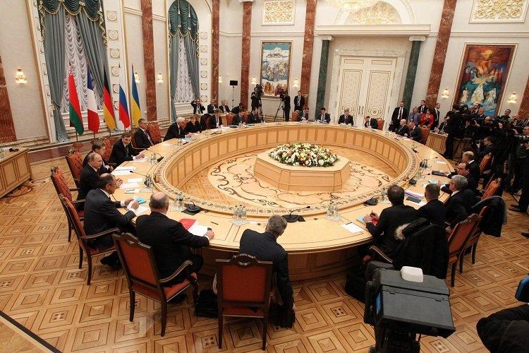 Кто заменит Кучму на переговорах по Донбассу и возглавит украинскую делегацию в Минске