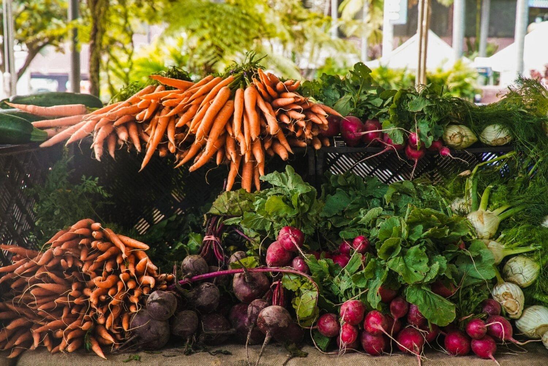 Фрукты и овощи опять подорожают: почему Украина не может обеспечить население сельхозпродукцией