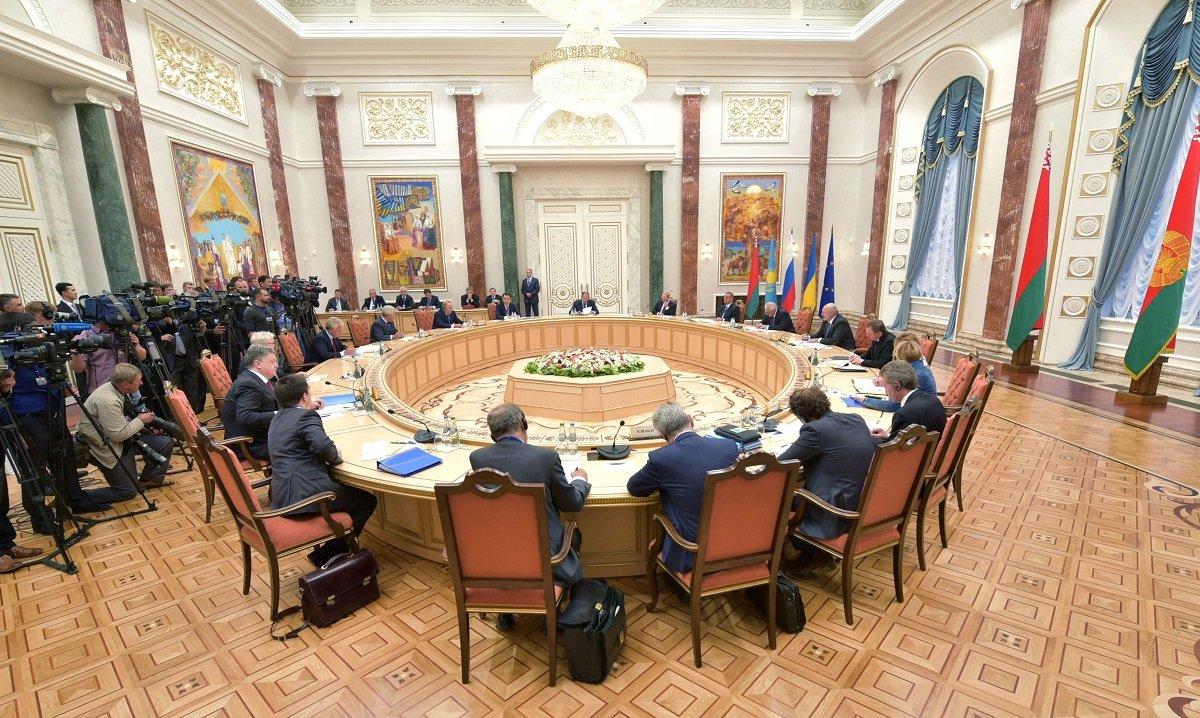 Кравчук хочет мира: первый президент Украины будет вести переговоры по Донбассу в Минске