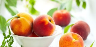 """Як вибрати найсмачніші персики: фрукти ділять на «хлопчиків» і «дівчаток» за зовнішніми ознаками"""" - today.ua"""