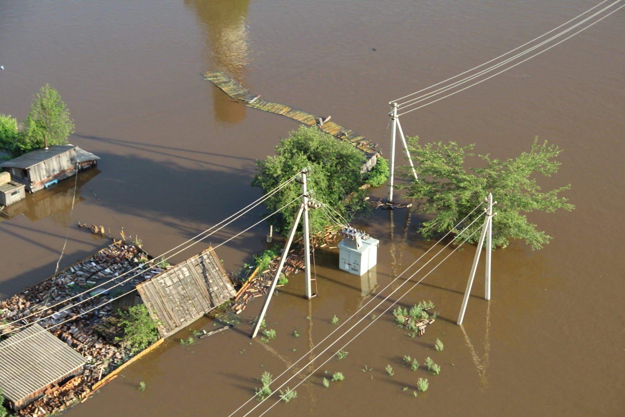 Сколько денег выплатят пострадавшим от наводнения в Западной Украине рассказал Шмыгаль