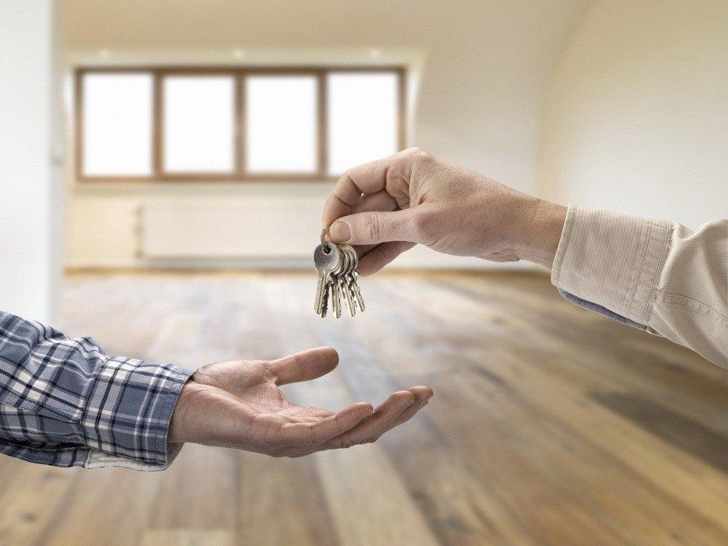 Українцям заборонять самостійно продавати свої квартири: новий закон про ріелторську діяльність