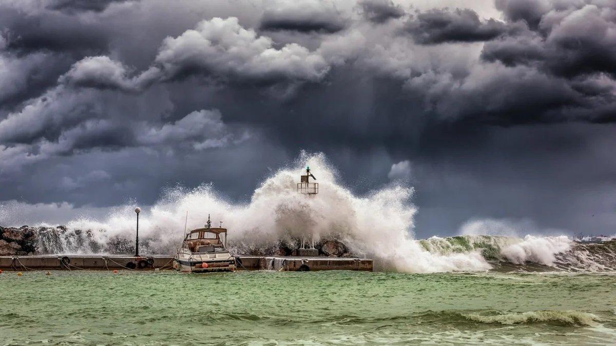 Україну чекають страшні стихійні лиха: прогноз погоди на найближче майбутнє лякає - today.ua