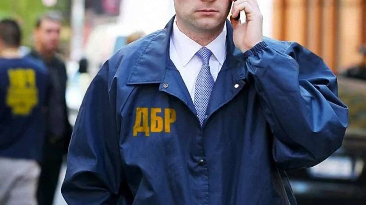 Порошенко незаконно покинув Україну: підозру оголошено прикордоннику