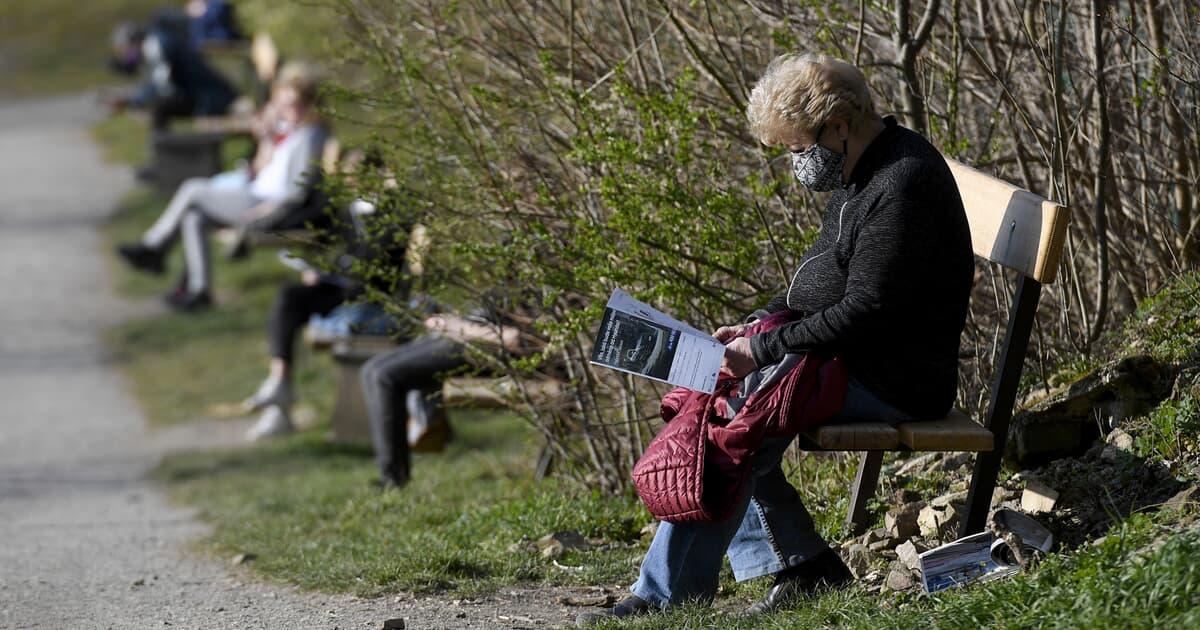 Працюючі пенсіонери не отримають підвищені пенсії: українцям назвали причину   - today.ua