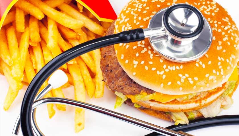 Медики назвали продукты, которые повышают риск инфаркта и инсульта