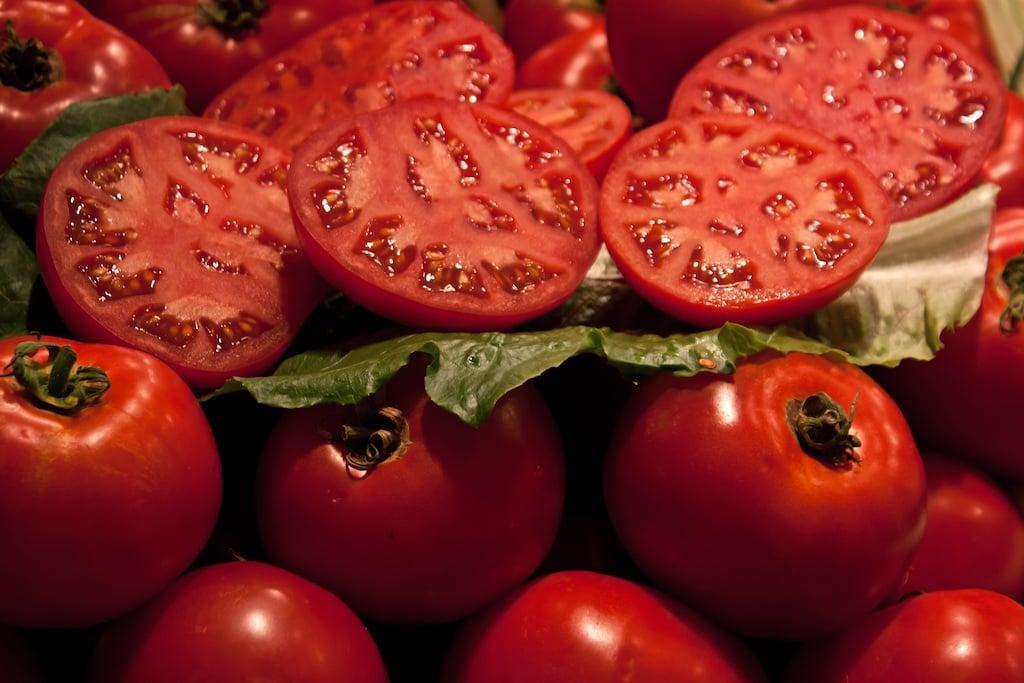 В Україні ціни на помідори вище, ніж у Європі: аграрії назвали причину  - today.ua