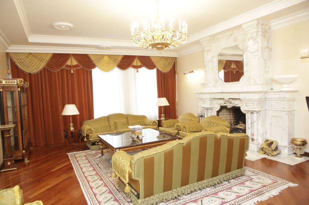 Палац із золота та мармуру: у Мережі з'явилися фото дачі в Конча-Заспі, куди переїхав жити Зеленський