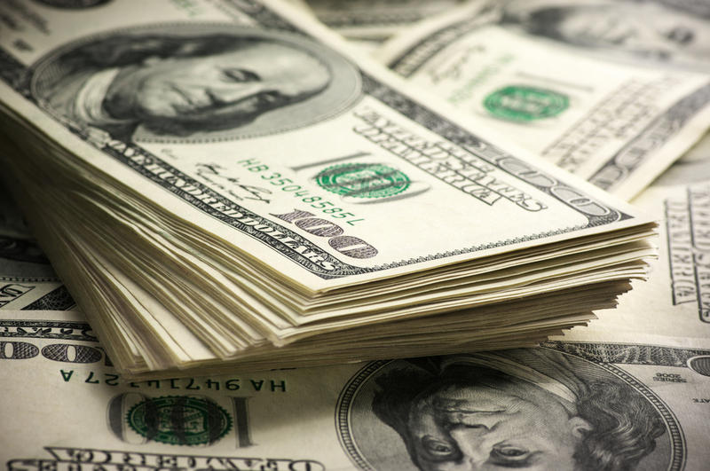 Украинцам рассказали, стоит ли скупать доллары: мнение эксперта       - today.ua