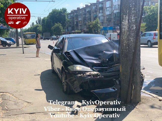 П'яний працівник автомийки розбив Mercedes, який «взяв покататися» - today.ua