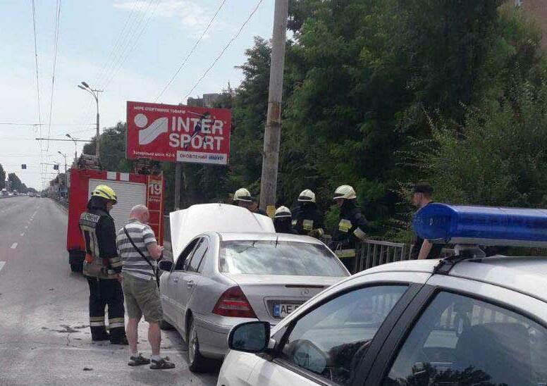 У Дніпрі на ходу загорівся автомобіль з ГБО - today.ua