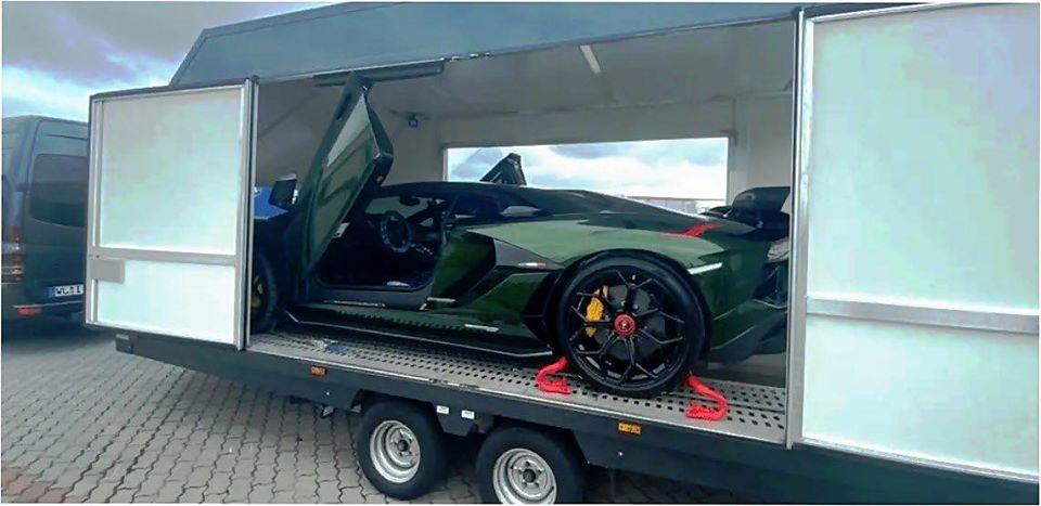 Стало відомо, хто в Україні купив Lamborghini за 15 мільйонів
