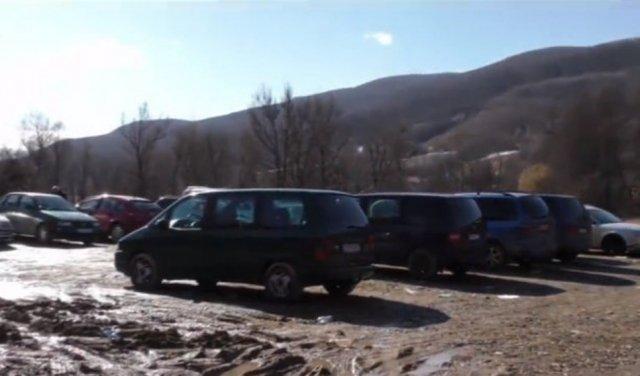 """В Сети показали """"кладбище евроблях"""" на украинской границе (видео) - today.ua"""