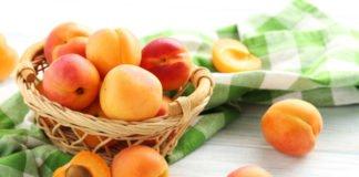 """Абрикоси можуть бути небезпечні для здоров'я: кому і чому варто відмовитися від сезонних фруктів """" - today.ua"""